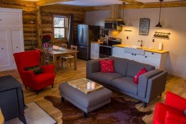 Ridgeback Lodge | Glamping domes and cozy log cabins